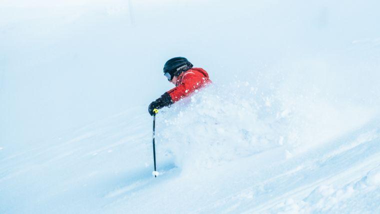 Gebruik je kop, helm op! EHBO bij wintersport